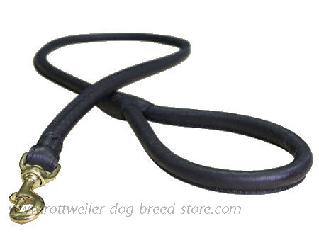 Rottweiler-Leather-Latigo-Round-Lead-roller