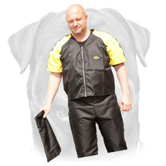 Nylon     scratch pants and jacket for safe Rottweiler training