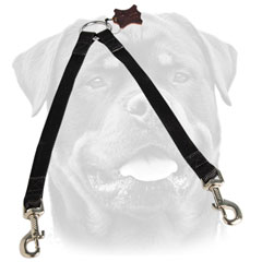 Easy to handle nylon Rottweiler coupler     for walking 2 dogs